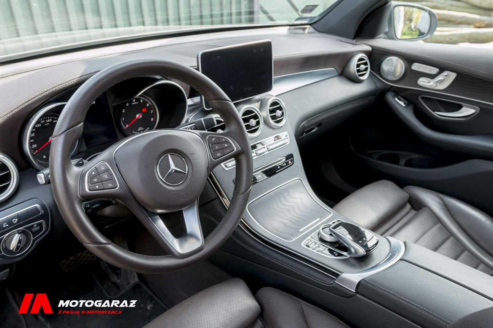 Mercedes GLC 350e - wnętrze